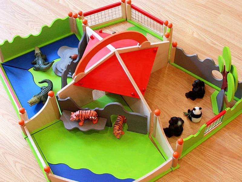 Развивающие игры и игрушки в детском саду Центрального района Тема Животные и сама по себе интересная